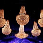 Foto van kristallen kroonluchters